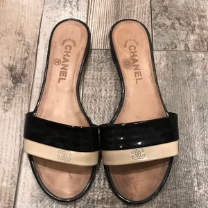 5be5a4982e8 CHANEL full leather slippers size 7.5
